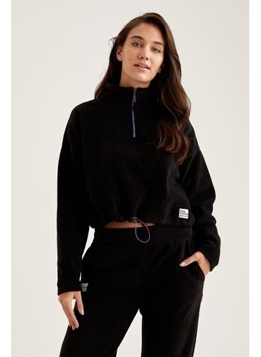 Defacto –Fit Fermuarlı Yaka Crop Sweatshirt Siyah